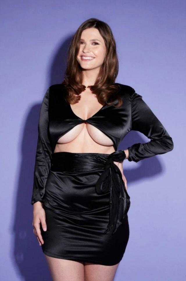 Девушка с пятым размером груди поделилась трудностями при выборе одежды
