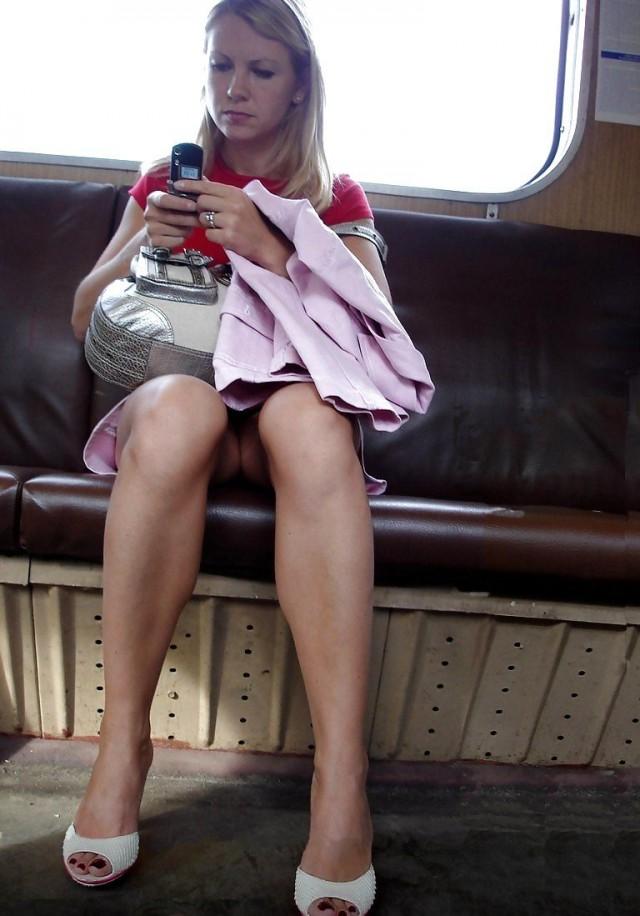 podglyadivanie-mezhdu-nog-v-obshestvennom-transporte