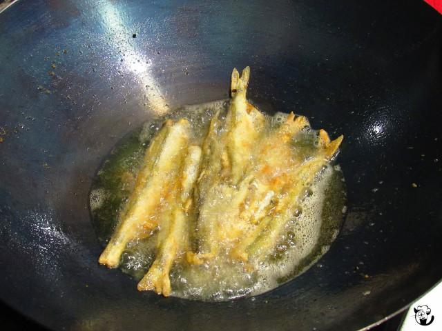 Жарка мойвы на сковороде