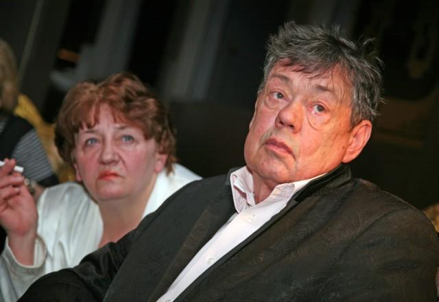 Супруга Караченцова собирает миллион долларов на лечение актера