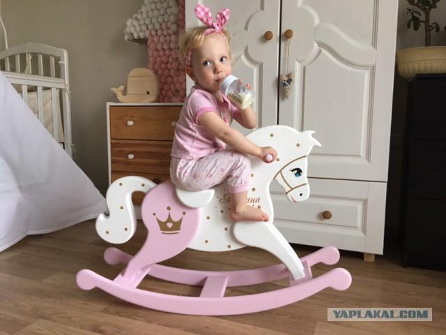 Семейное хобби - лошадки-качалки
