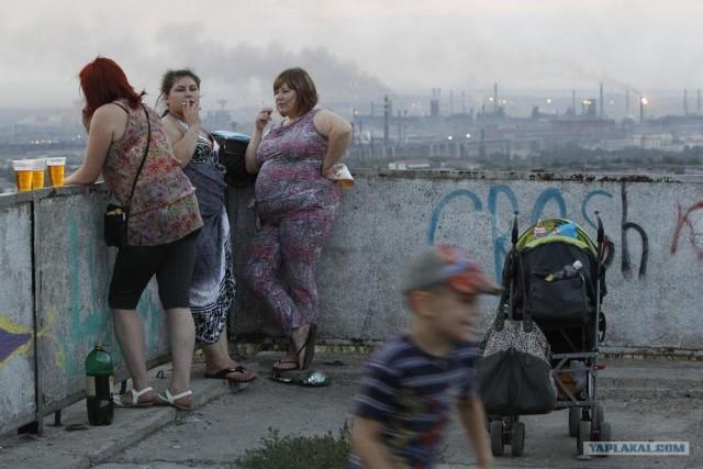 Молодые мамы Магнитогорска любуются на закат