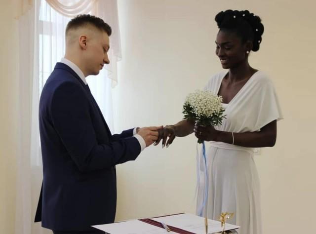 «Зефир в шоколаде»: чел из Якутии послал к черту предрассудки и возражения окружающих и близких и таки женился на нигерийке