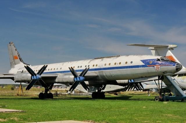Легендарная машина Ту-114