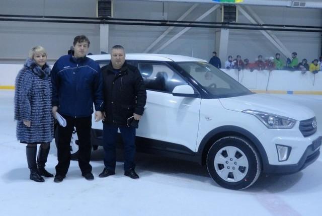 «Я рот раскрыл, говорю, это что такое?»: Хоккеист, принесший России золото Олимпиады, купил своему первому тренеру машину