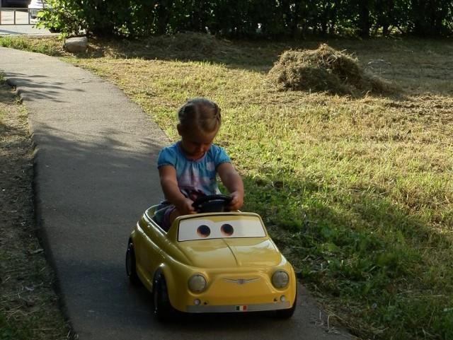 продам гоночный автомобиль