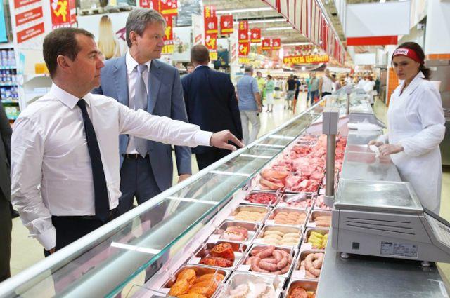 Ходят ли депутаты и чиновники за продуктами