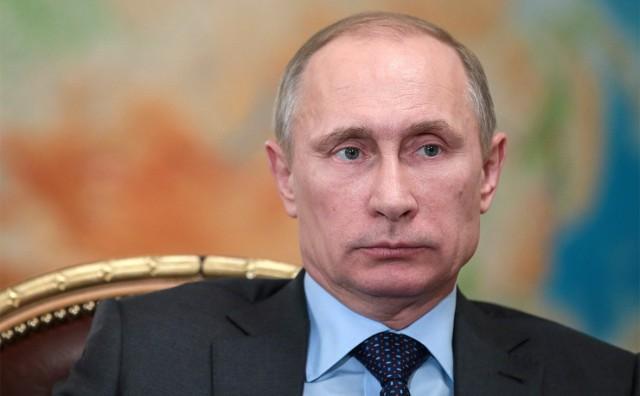 Президент Путин подписал указ о снижении зарплаты президента России в 2018 году
