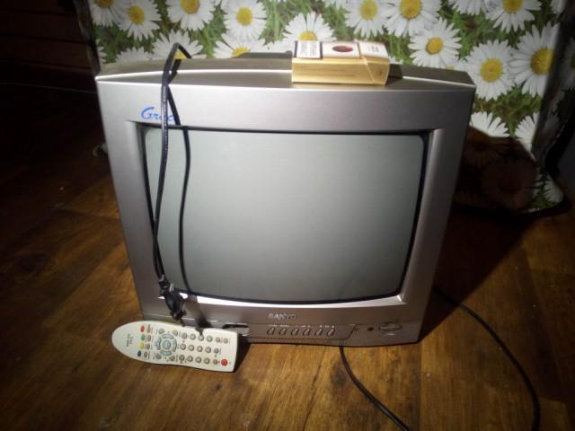 Телевизор Sanyo отдам (Мск)