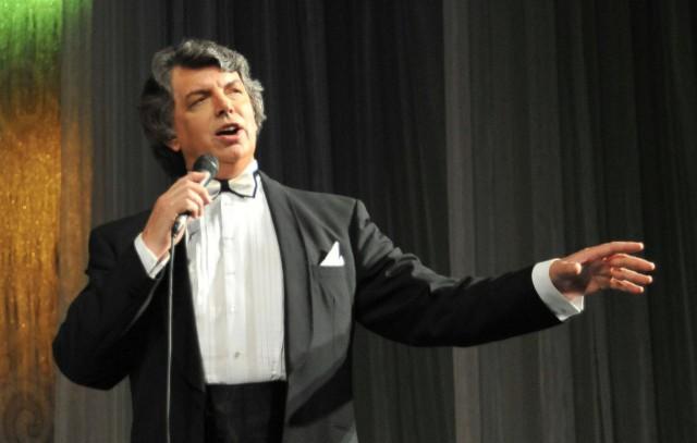 Народный артист России Сергей Захаров умер в Москве на 69-м году жизни.