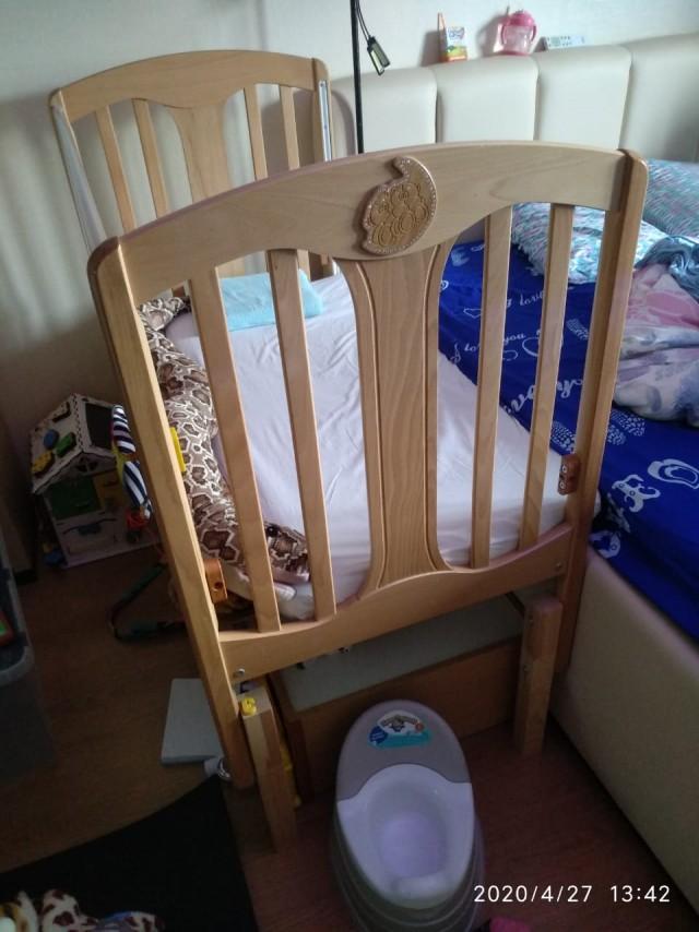 Отдам детскую кроватку, с механизмом качания. МСК ЗАО