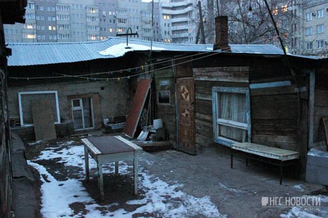 «Запросили 19 квартир за 40 квадратов»: как на Масленникова оказались соседями избы и новостройки
