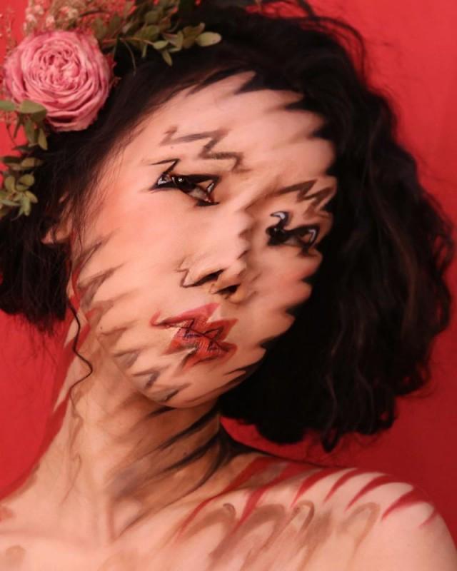 Корейская художница создает завораживающие оптические иллюзии у себя на лице
