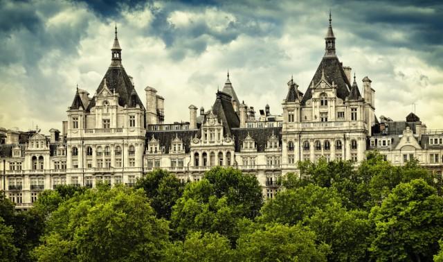 Шувалов арендует недвижимость сам у себя
