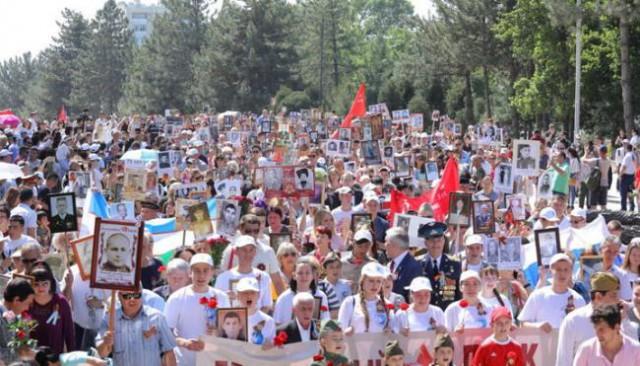 В Ташкенте без разрешения властей прошла акция «Бессмертный полк»