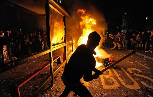 Студенты громят Лондон