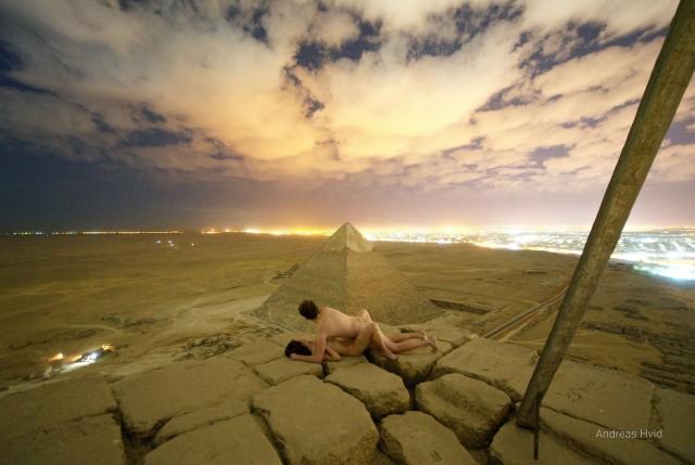 Туристы занялись сексом на пирамиде и привлекли внимание властей