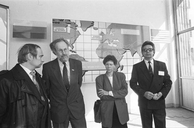 1993 г. Вице-мэр С.-Петербурга на открытии первого в городе магазина компьютерной техники