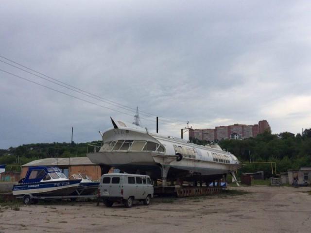 «Эта эра уже прошла». В Ульяновском речпорту разбирают на металлолом «Метеоры»