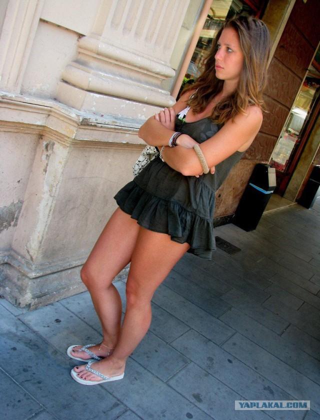 фото милф в коротких юбках
