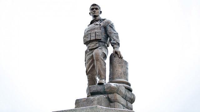 В Оренбурге открыли памятник погибшему в Сирии офицеру Прохоренко