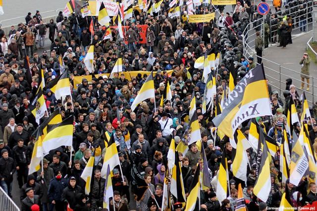 Мигранты обиделись на мэрию за Русский марш