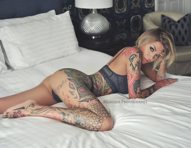 Прекрасные девушки с татуировками 9