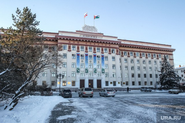 Тюменец требует урезать зарплату депутатов с 300 до 42 тысяч