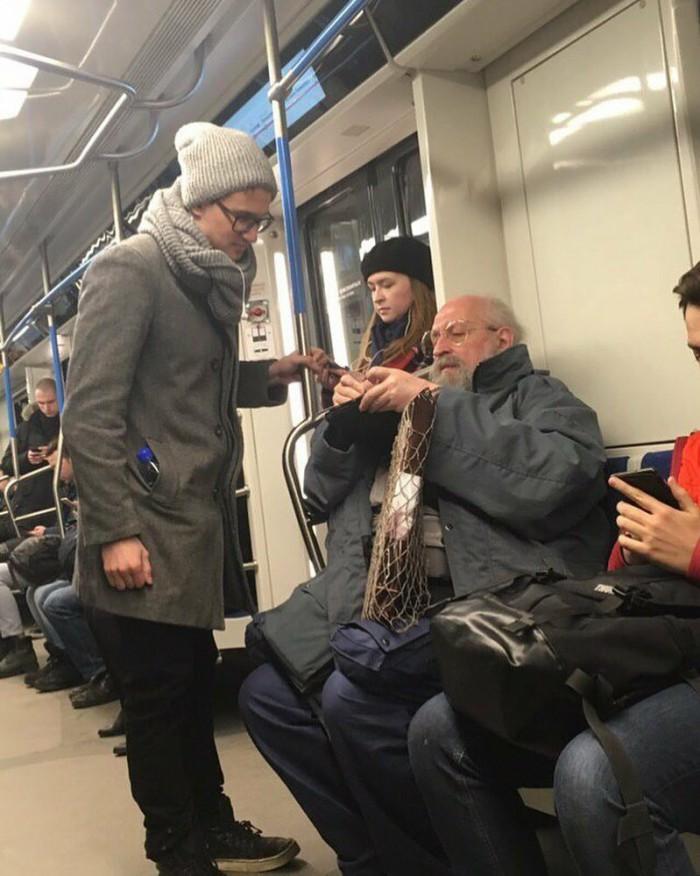Какой то умник в метро