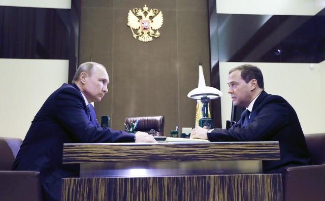 Медведев представил Путину министров нового правительства