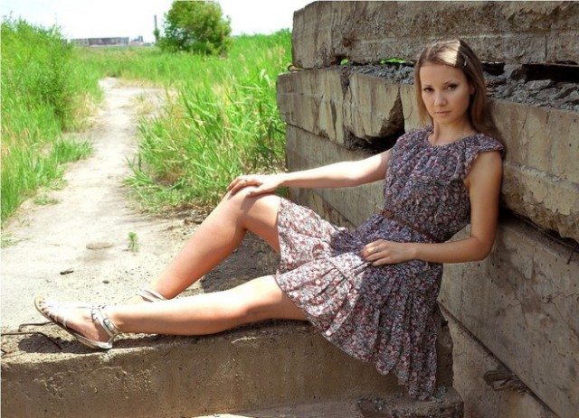 голая в легком платье фото