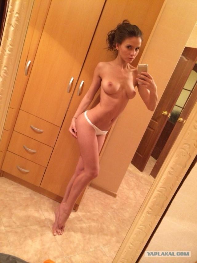 Интимные фото иностранных звезд из социальных сетей