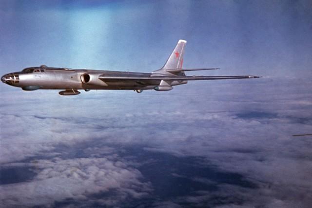 «Барсук» встает на крыло: как поднялся в небо легендарный Ту-16