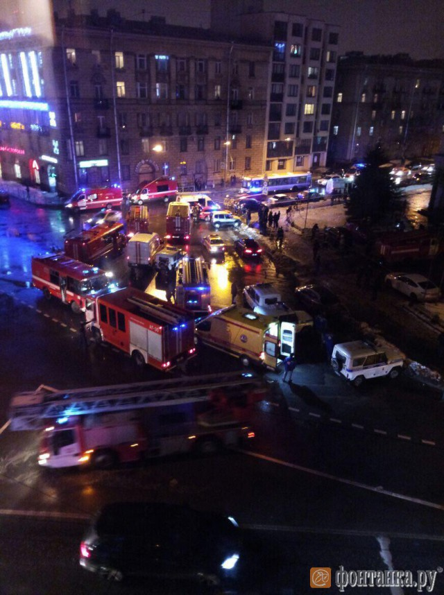 В Петербурге в «Перекрестке» произошел взрыв, 10 человек пострадали