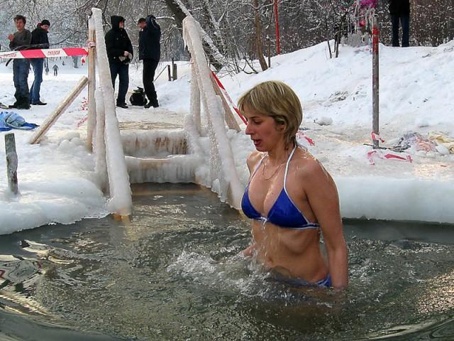 kupanie-zhenshini-foto