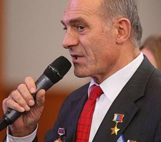 Летчик Магомед Толбоев назвал пилотов разбившегося Ан-148 убийцами