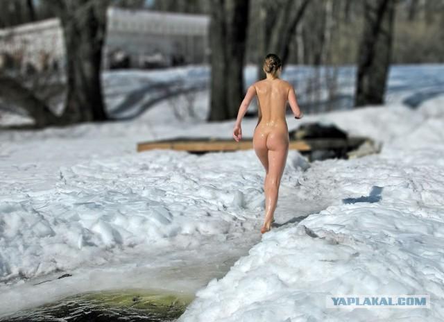 Голые зимние женские купания!
