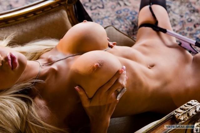 голые девушки фото любовь