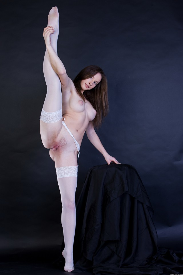 golaya-balerina-krupno