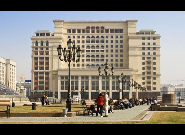 Для чего снесли гостиницу Москва и сожгли Манеж