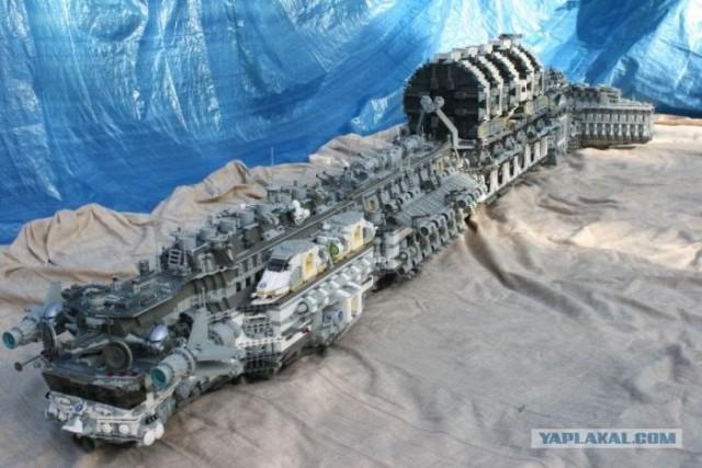 Космический корабль из Lego