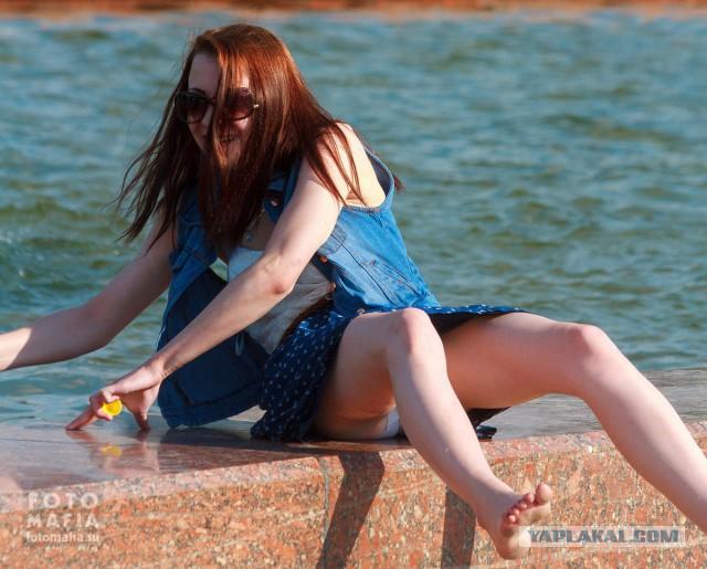 Под юбкой пляж видео пишешь