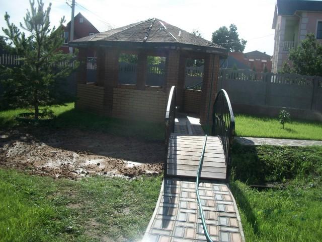 Скоро лето !  Как я  на даче водоём строил .