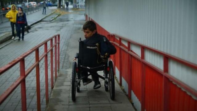 В Краснодаре барбершоп отказался стричь детей-инвалидов