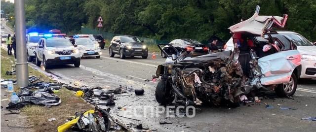 Убил семью. Пьяный водитель спровоцировал ДТП счетырьмя погибшими под Киевом
