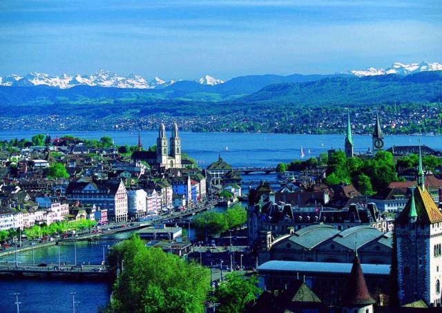 Швейцария вынесла на референдум вопрос о безусловном доходе в 2500 франков в месяц для всех граждан
