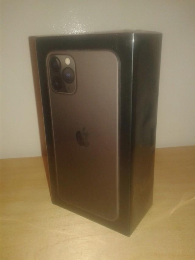 Продаю IPhone 11Pro 64 Gb Space Grey (МСК)
