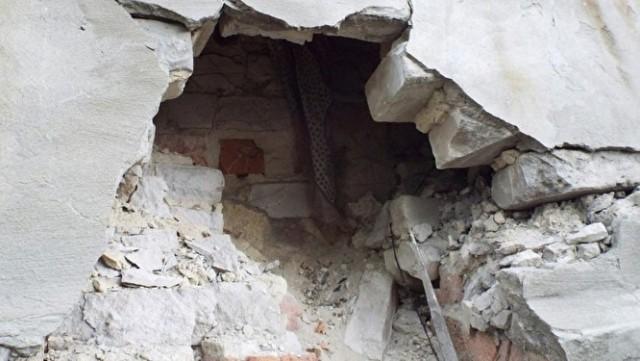 Власти предложили жильцам аварийного дома в Кургане отдать детей в приют, чтобы не подвергать их опасности
