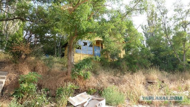Заброшенная турбаза на берегу Меотиды