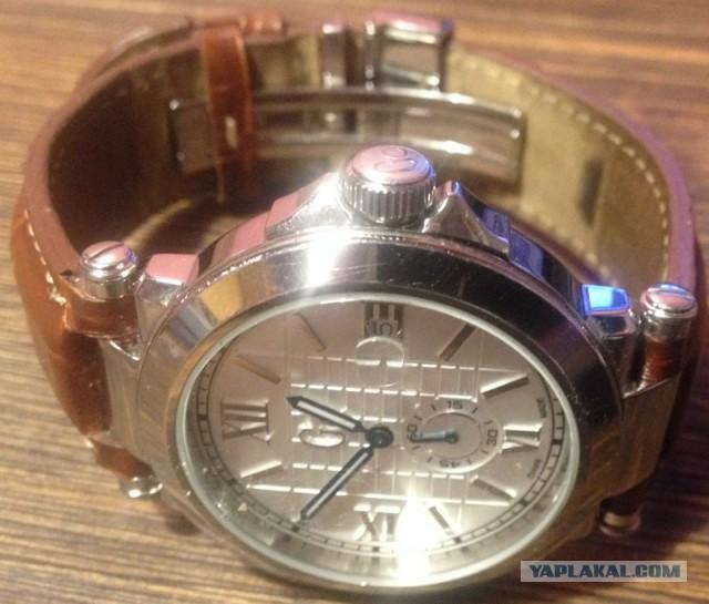 (мск.) Продам часы швейцарские, кварцевые. Gc X61001G1